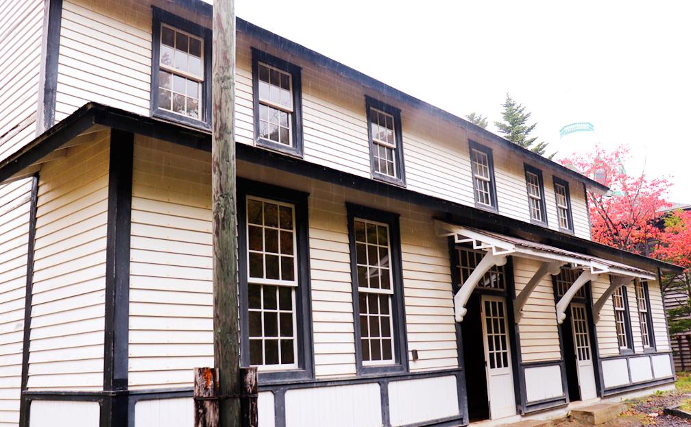 旧開拓使爾志通洋造家 エディーダンの邸宅